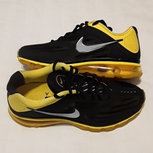 official photos 5eb34 4c4e1 Men s Nike Shoes Ebay In on Poshmark